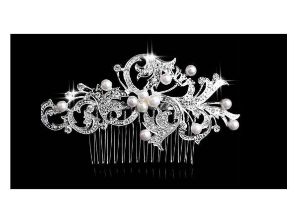 Bc13 Crystal & pearl comb