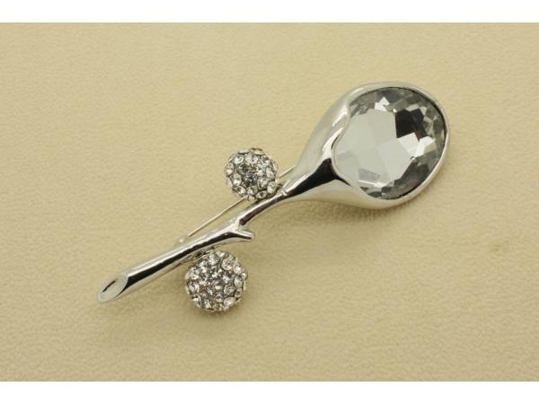 Br39c Crystal brooch