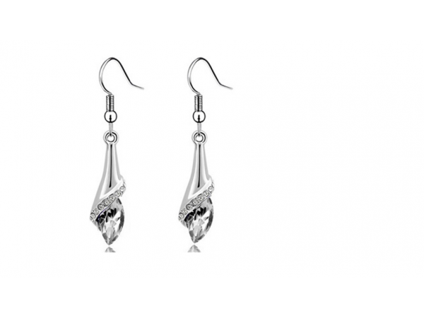 E219c Crystal drop earring