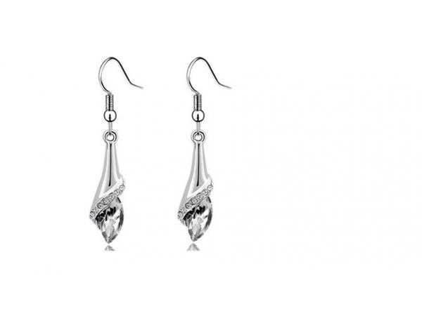 E219c Crystal drop earring