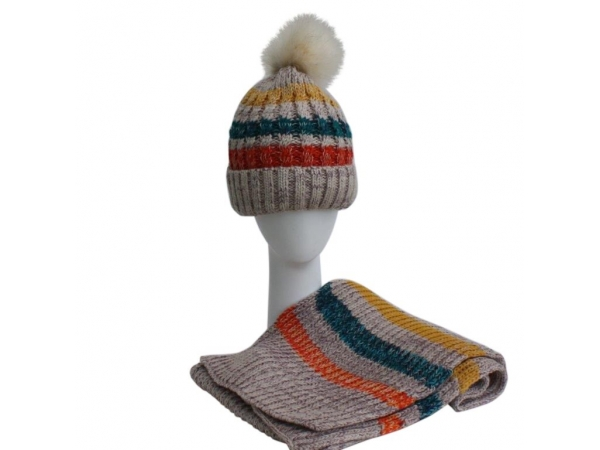 Beige Hat & Scarf Set