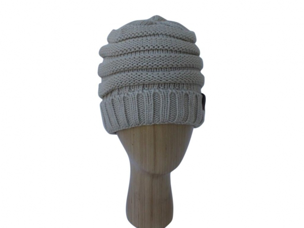H020 Beige ribber winter hat.