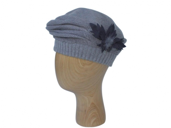 H021 Grey winter beret hat