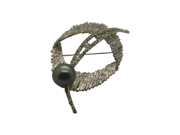 Br42 Silver & pearl brooch