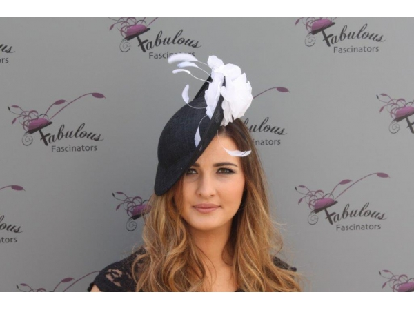 Heidi Bk/white fascinator
