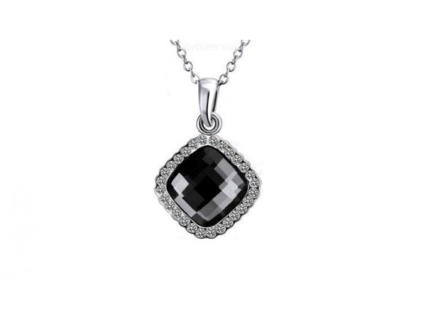 N462 Grey crystal necklace