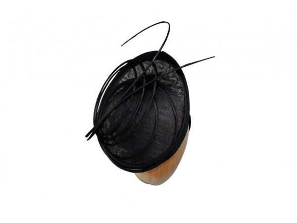 Pia Black fascinator