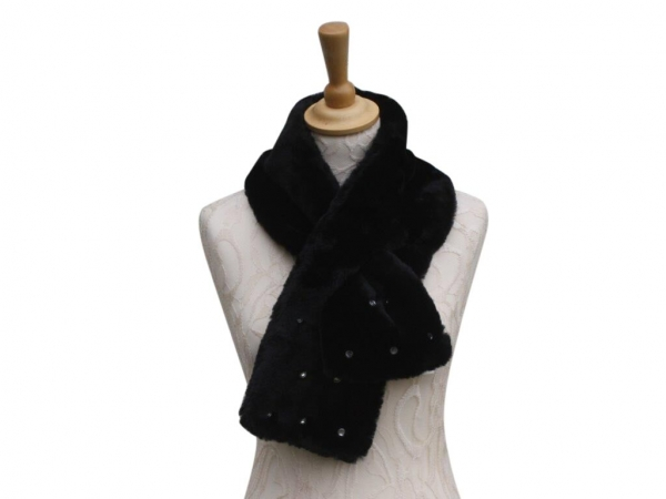 Ws002 Black faux fur scarf with crystal detail