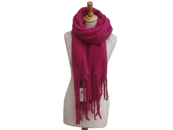 Ws004 Fuchsia scarf 80% Viscose 20% Wool