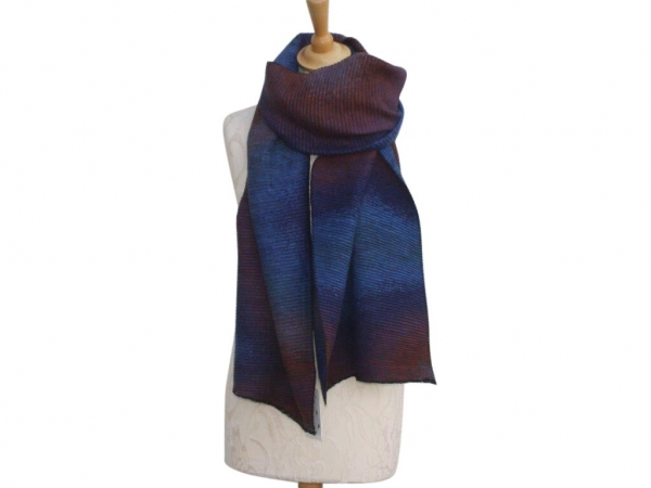 Ws007 Blue winter scarf crinkle pattern