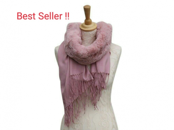 Ws008 Pink scarf with faux fur collar