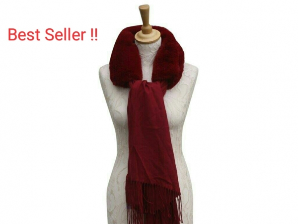 Ws008 Red scarf with faux fur collar