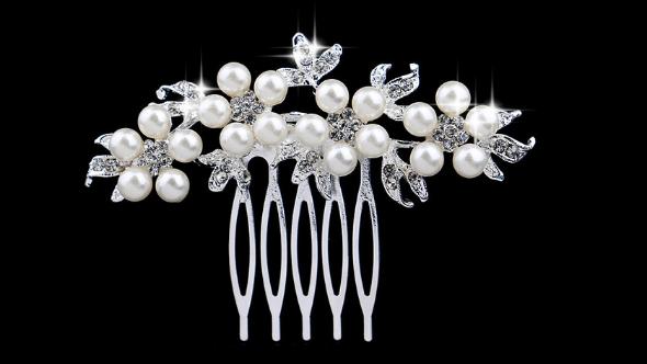 Bc16 Pearl & crystal comb
