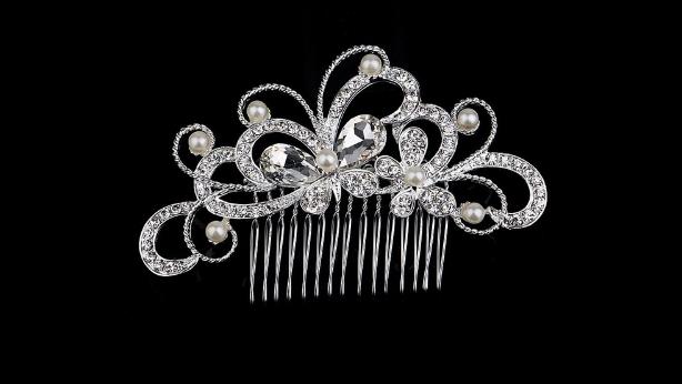 Bc15 Crystal & pearl comb