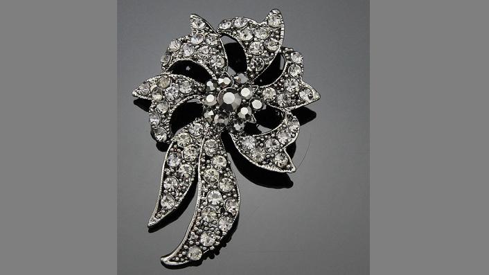 Br115 Black crystal brooch.