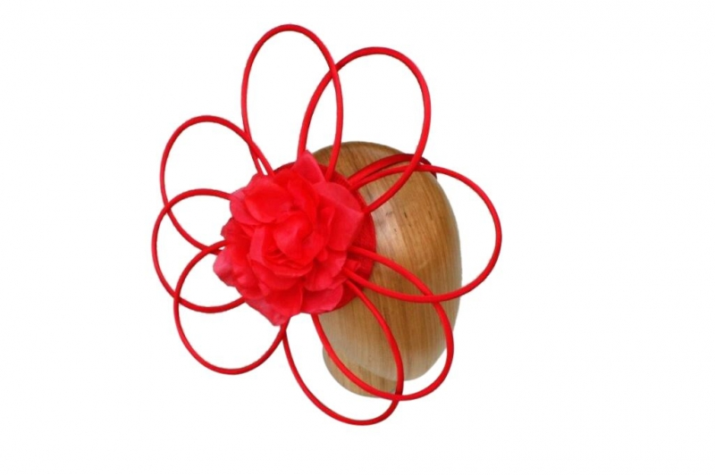 Cara Red fascinator
