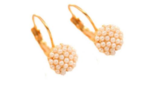 E420 Small pearl drop earring