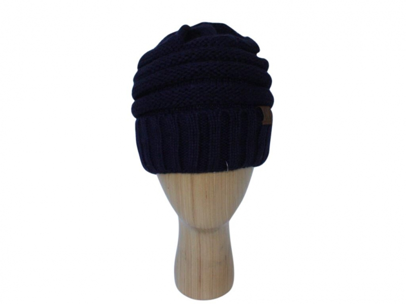 H020 Black ribber winter hat.