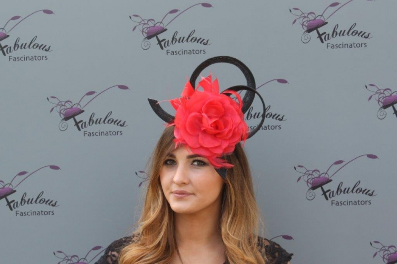 Grace Bk/fushia fascinator