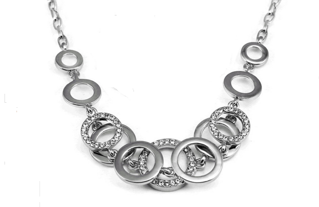 N19s Circle design necklace