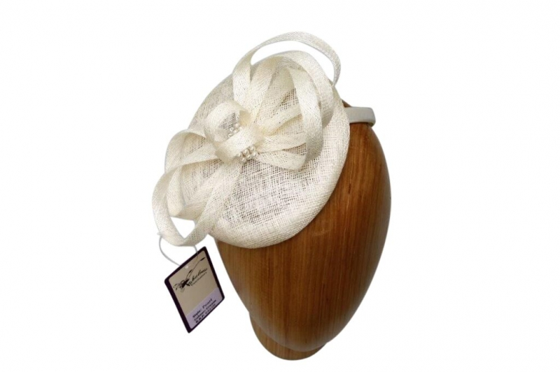 Pearl Cream fascinator.